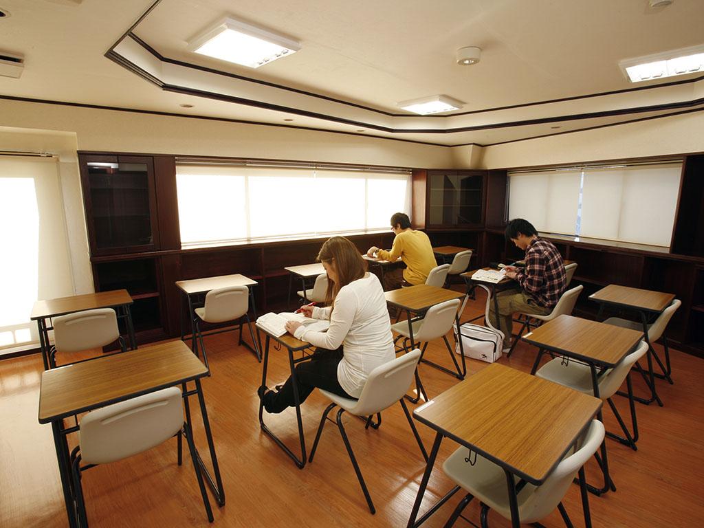 [写真]四谷本校の自習室
